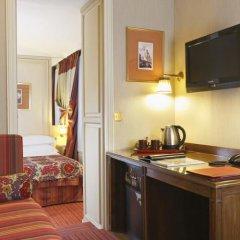 Отель Hôtel Au Manoir St-Germain des Prés в номере