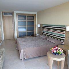 Отель Aparthotel Ponent Mar Улучшенные апартаменты с двуспальной кроватью