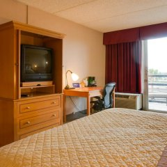 Howard Johnson Inn Fullerton Hotel and Conference Center удобства в номере