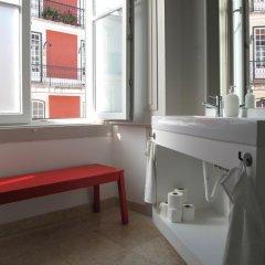 Inn Possible Lisbon Hostel Кровать в общем номере с двухъярусной кроватью