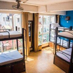 Отель Vietnam Backpacker Hostels Downtown Кровать в женском общем номере