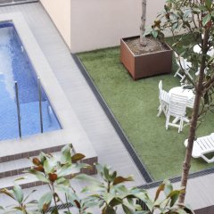 Отель Hva Augusta Garden Apartments Испания, Барселона - отзывы, цены и фото номеров - забронировать отель Hva Augusta Garden Apartments онлайн бассейн фото 2