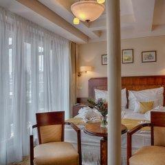 Hotel Majestic Plaza 4* Улучшенный номер с различными типами кроватей фото 11