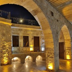 Отель Golden Cave Suites бассейн фото 2