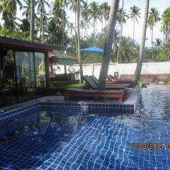 Отель Lipa Bay Resort бассейн