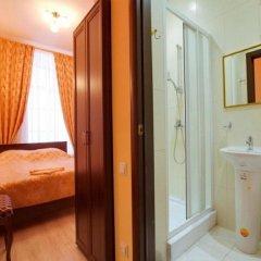 Гостиница Мини-отель Алёна в Санкт-Петербурге отзывы, цены и фото номеров - забронировать гостиницу Мини-отель Алёна онлайн Санкт-Петербург ванная