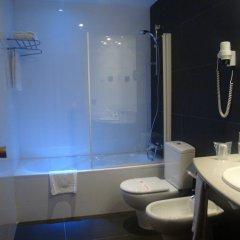 Отель California ванная фото 2