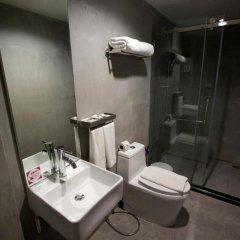 Отель 63 Bangkok Boutique Bed & Breakfast 2* Стандартный номер с двуспальной кроватью фото 4