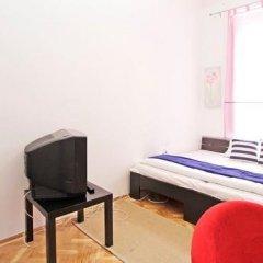 Отель City Rooms Стандартный номер с двуспальной кроватью (общая ванная комната) фото 19
