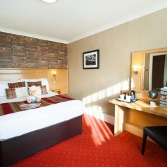 Отель Hallmark Inn Manchester South 3* Улучшенный номер с различными типами кроватей фото 5