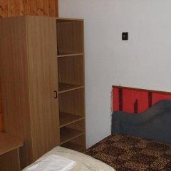 Гостиница Vizimalom Kemping, Panzió és Étterem Стандартный семейный номер с двуспальной кроватью (общая ванная комната) фото 7