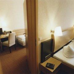 Hotel Jedermann 2* Стандартный семейный номер с двуспальной кроватью фото 12