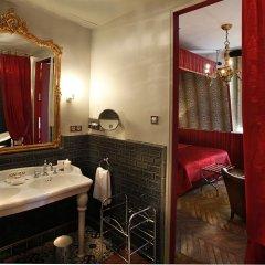 Отель Saint James Paris 5* Улучшенный номер с различными типами кроватей фото 4