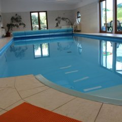 Отель Pension Lukas бассейн