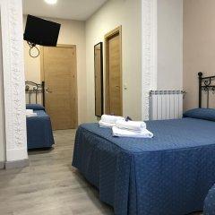 Отель Hostal El Pilar Стандартный номер с различными типами кроватей фото 4