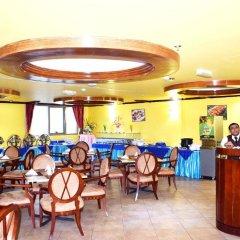 Отель Tulip Inn Sharjah ОАЭ, Шарджа - 9 отзывов об отеле, цены и фото номеров - забронировать отель Tulip Inn Sharjah онлайн питание фото 3