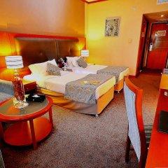 Landmark Summit Hotel 4* Улучшенный номер с различными типами кроватей фото 2