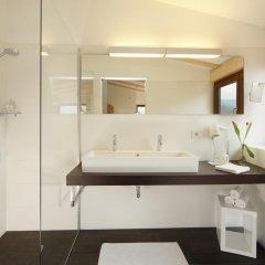 Отель und Residence Johanneshof Италия, Чермес - отзывы, цены и фото номеров - забронировать отель und Residence Johanneshof онлайн ванная