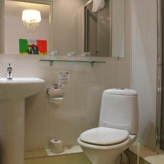 A1 hotel 3* Улучшенный номер с разными типами кроватей фото 9