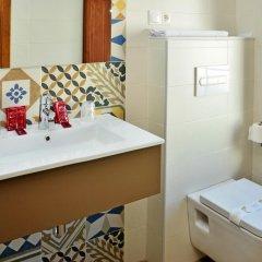 Отель Hostal La Fonda Испания, Кониль-де-ла-Фронтера - отзывы, цены и фото номеров - забронировать отель Hostal La Fonda онлайн ванная фото 2