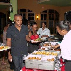 Отель Milbrooks Resort Ямайка, Монтего-Бей - отзывы, цены и фото номеров - забронировать отель Milbrooks Resort онлайн питание фото 3
