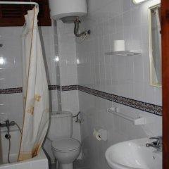 Отель Hostal Las Nieves Стандартный номер с различными типами кроватей (общая ванная комната) фото 41