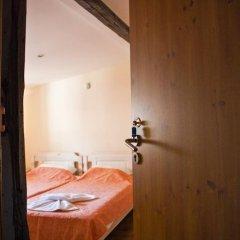 Отель Ulpia House Стандартный номер с двуспальной кроватью (общая ванная комната) фото 10