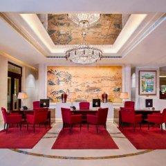 Отель The St. Regis Singapore 5* Номер Делюкс с различными типами кроватей фото 4