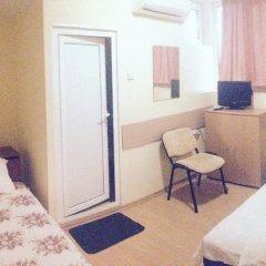 Отель East Gate Guest Rooms Стандартный номер с различными типами кроватей фото 23