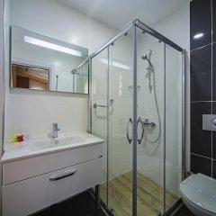 Hippodrome Hotel 3* Улучшенный номер с двуспальной кроватью фото 3