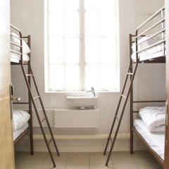 Отель Restup London Кровать в общем номере фото 6