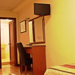 Отель Hostal San Glorio 2* Стандартный номер с различными типами кроватей фото 4