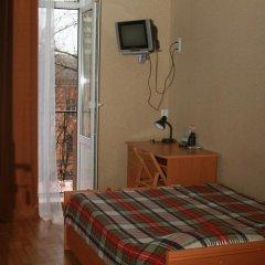 Эконом Отель Стандартный номер двуспальная кровать фото 4