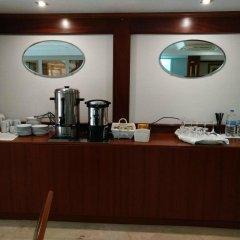 Отель Serantes Hotel Испания, Эль-Грове - отзывы, цены и фото номеров - забронировать отель Serantes Hotel онлайн питание фото 2