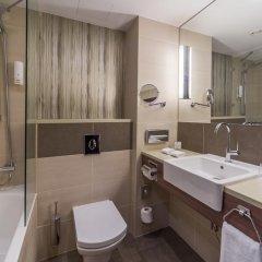 Гостиница Холидей Инн Киев 4* Стандартный номер с двуспальной кроватью фото 5