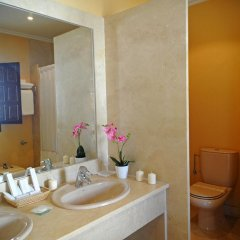 Отель San Román de Escalante 4* Улучшенный номер с различными типами кроватей фото 10