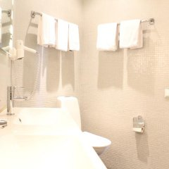 Отель Hotell Hjalmar Швеция, Эребру - 1 отзыв об отеле, цены и фото номеров - забронировать отель Hotell Hjalmar онлайн ванная фото 2