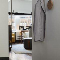 The Renwick Hotel New York City, Curio Collection by Hilton 4* Люкс с различными типами кроватей фото 12