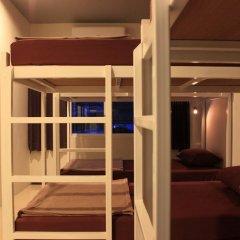 Ananas Phuket Central Hostel Кровать в общем номере