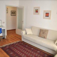 Апартаменты Apartment Parmense Парма комната для гостей фото 5