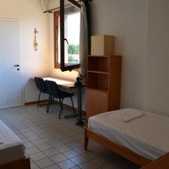 Отель Jan Palach Стандартный номер с 2 отдельными кроватями (общая ванная комната) фото 3