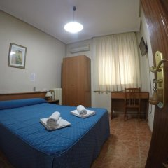 Отель Hostal El Pilar Стандартный номер с двуспальной кроватью фото 4