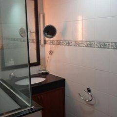 Отель Roof Garden Inn Таиланд, Паттайя - отзывы, цены и фото номеров - забронировать отель Roof Garden Inn онлайн ванная