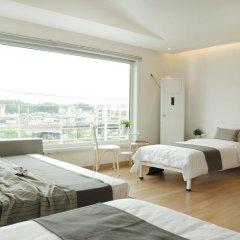 Отель The Mei Haus Hongdae 3* Стандартный семейный номер с двуспальной кроватью фото 6