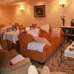 Отель Las Torres Испания, Арнуэро - отзывы, цены и фото номеров - забронировать отель Las Torres онлайн интерьер отеля фото 2