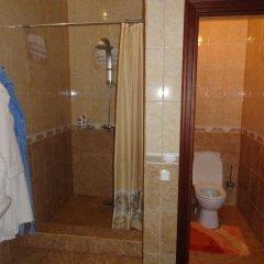 Гостиница Mini Hotel Gostevoy Dom в Саранске отзывы, цены и фото номеров - забронировать гостиницу Mini Hotel Gostevoy Dom онлайн Саранск ванная