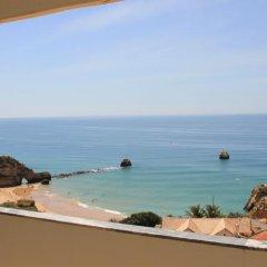 Отель Apartamentos Rocha Praia Mar Португалия, Портимао - отзывы, цены и фото номеров - забронировать отель Apartamentos Rocha Praia Mar онлайн пляж