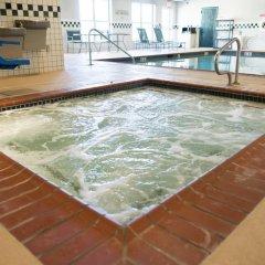 Отель Country Inn & Suites Effingham бассейн фото 2