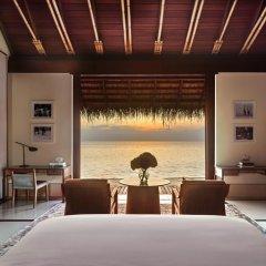 Отель One&Only Reethi Rah 5* Вилла с различными типами кроватей фото 16