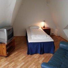 Stavanger Lille Hotel & Cafe 3* Номер с общей ванной комнатой с различными типами кроватей (общая ванная комната) фото 4
